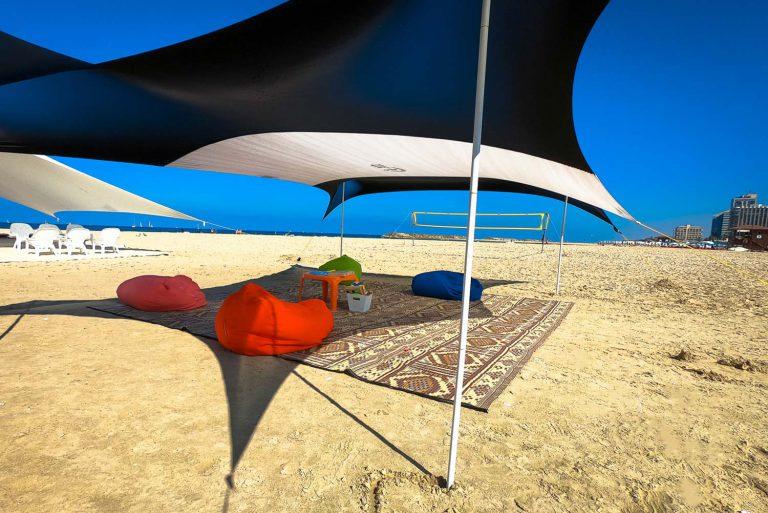 פינות ישיבה בחוף